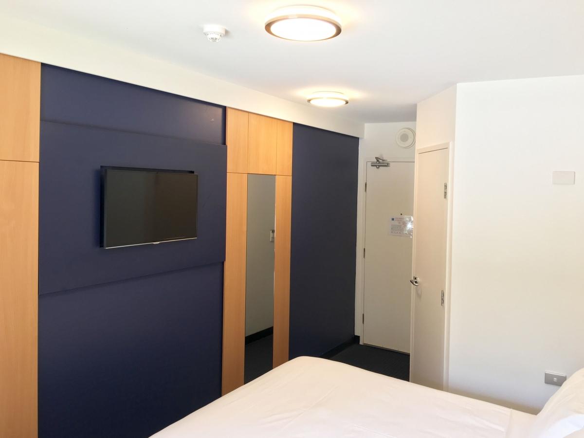 Queen Room 1 Adj